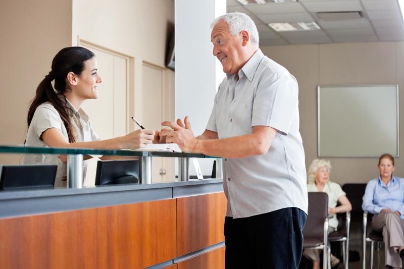 Quanto custa contratar uma secretária para sua clínica?