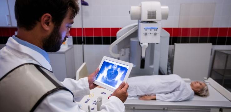 Tecnologia na área da saúde: como ela pode ajudar uma clínica?