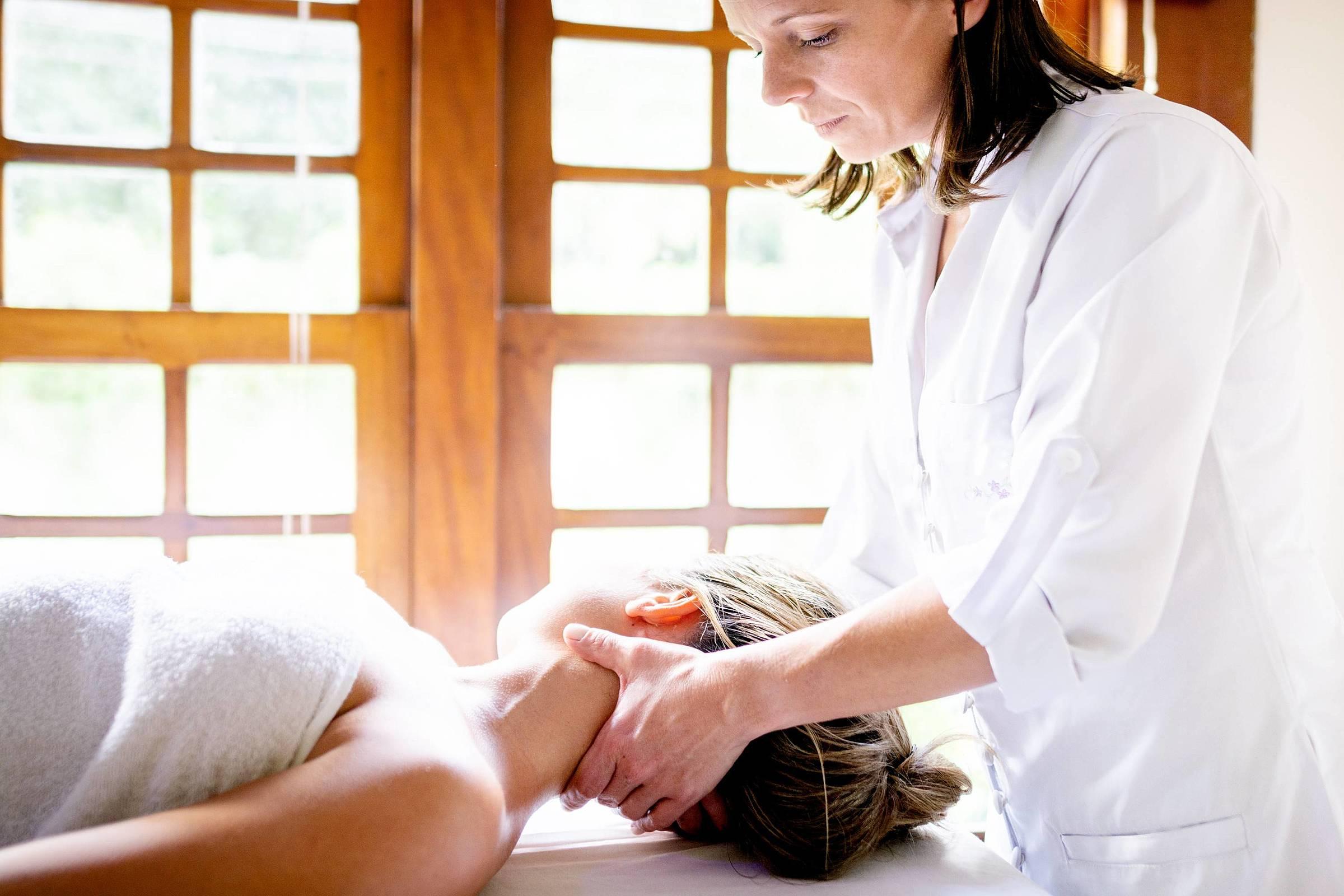 Cervicalgia: descubra 5 técnicas de tratamento com fisioterapia!