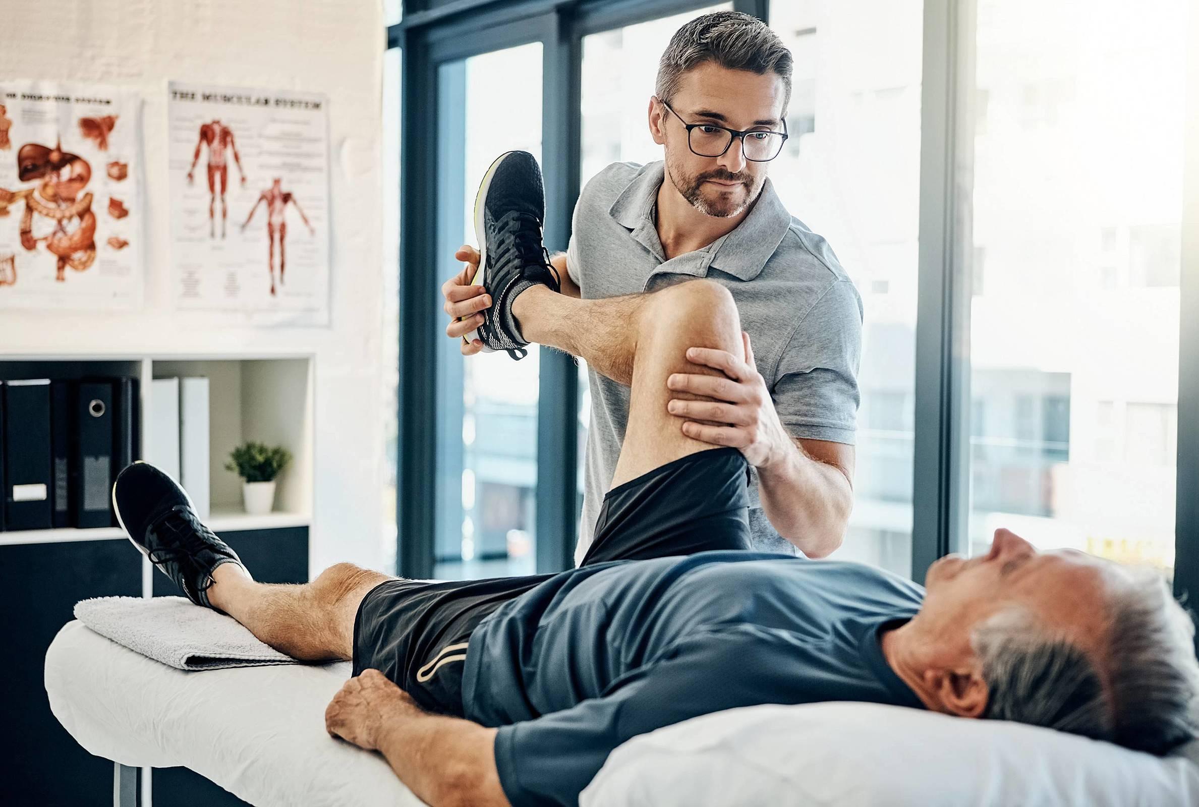 Qual é o papel da fisioterapia no tratamento da esclerose múltipla?
